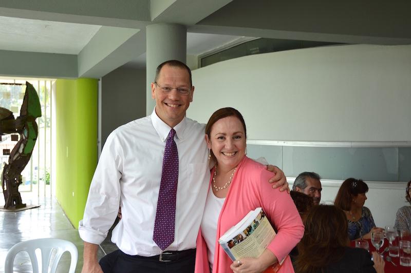Doug Lemov con la Dra. Rosa Roman