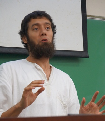 Dr. Marcel Castro