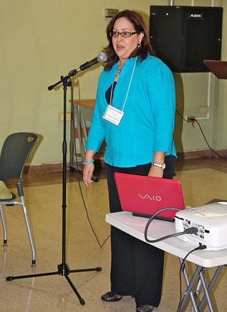 La doctora Viviana Cesaní durante uno de los programas veraniegos de REU.<br>Archivo/Prensa RUM