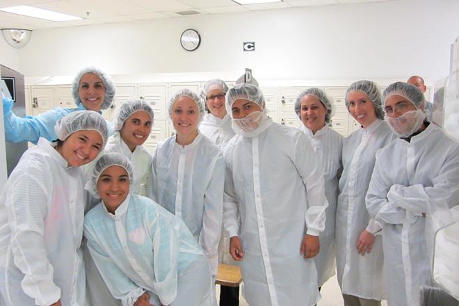 La misión de REU, desde que comenzó en el 2009, ha sido exponer a los alumnos de ININ a experiencias de investigación al tiempo que ofrecen talleres, así como un programa de inmersión de verano para fortalecer las destrezas de manejo multicultural.<br>Archivo/Prensa RUM