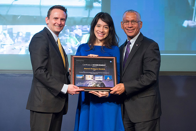 La Ing. Shannon Rodr&iacute;guez Sanabria recibi&oacute; el &lt;em&gt;2015 Hispanic Engineer National Achievement (HENAAC) Great Minds in STEM Award for Most Promising Engineer&lt;/em&gt;, por su fruct&iacute;fera carrera.<br>Suministrada